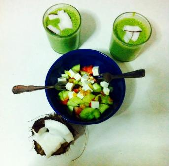 Green Smoothie and summer salad