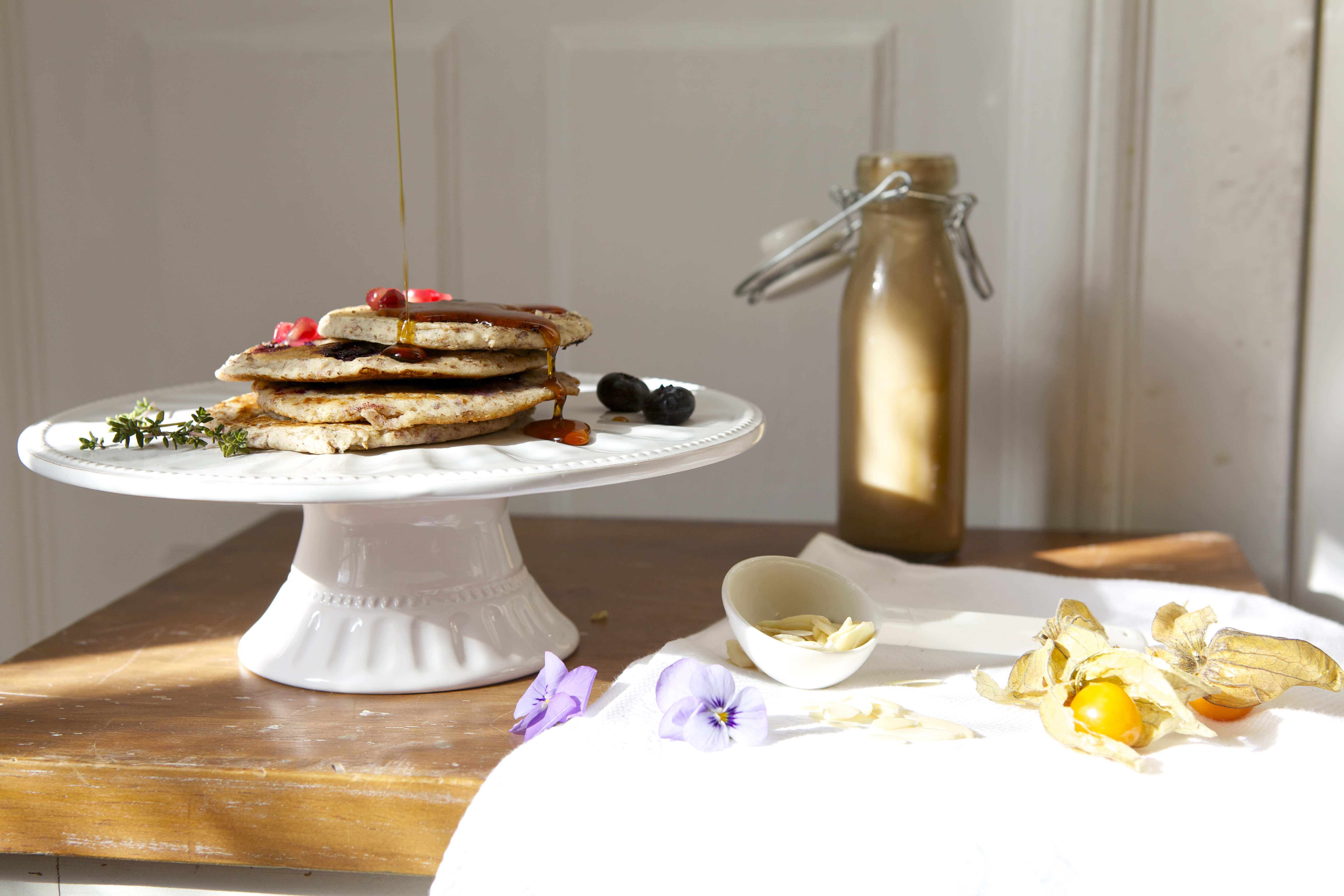 Vegan almond pancakes, vegan recipe, vegetarian, ecomil, almond cooking cream, dairy-free, lactose-free
